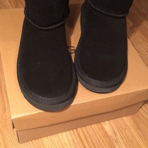 UGG Shoes - Girls Ugg boots size 1 black with bows